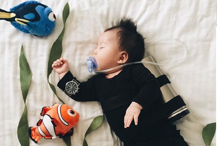 Alvás közben lett az internet egyik legnagyobb cosplayere ez a csecsemő