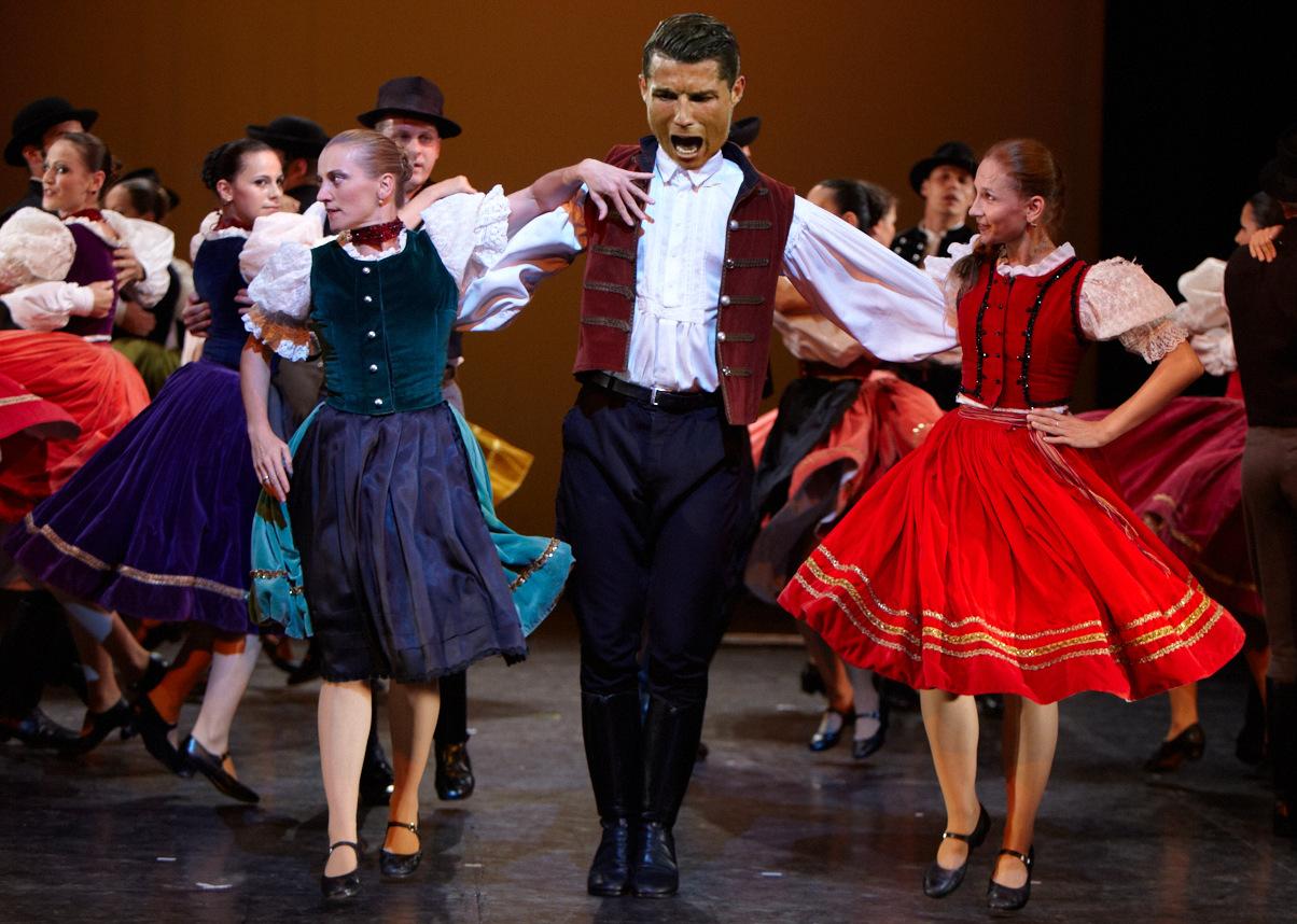 Így járja Cristiano Ronaldo a csárdást